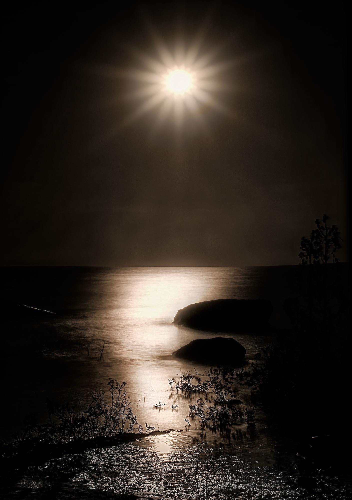 THE LAST SPLINTER OF LIGHT